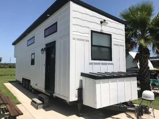 BEAUTIFUL MODERN TINY HOME-FULLY FURNISHED